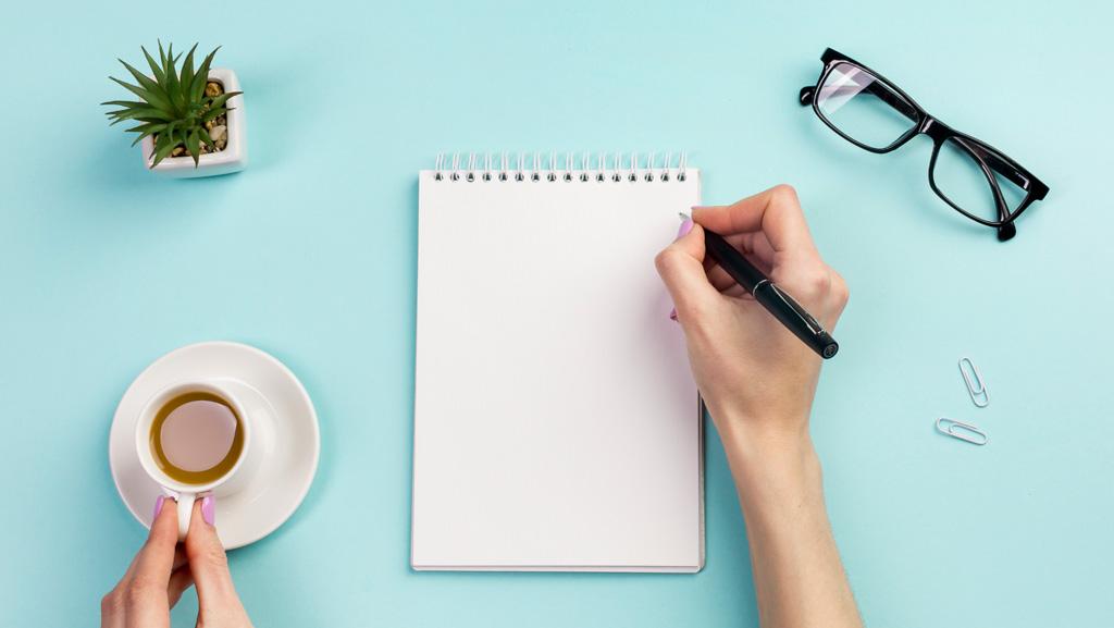 چگونه با نوشتن یک کتاب درآمد کسب کنیم